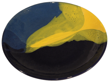 assiettes plates rondes terre cuite emaillee jaune