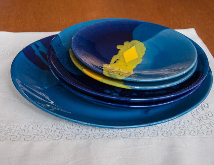 Belles assiettes de fabrication artisanale pour d corer for Cuillere pour decorer les assiettes