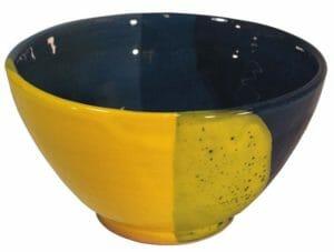 petits déjeuners bols en terre cuite emaillee jaune et bleue