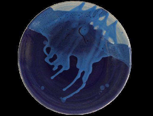 Assiette de présentation en terre cuite bleue