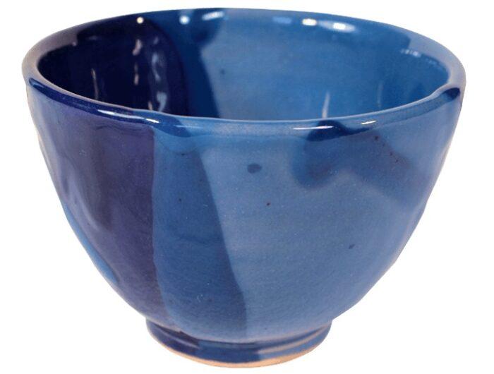 tasses a the terre cuite emaillee bleue vendues par deux