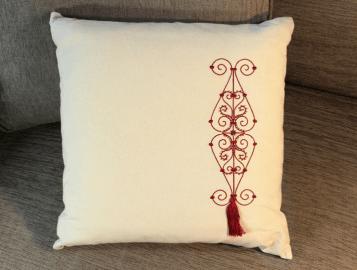 Coussin decoratif coton brode rouge 5