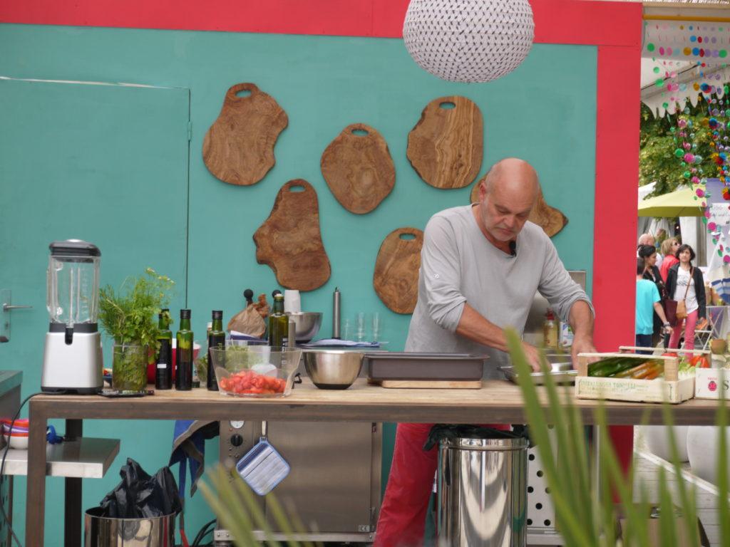 terrasse gourmande coté bois d'olivier Gérard Vives Salon Vivre Coté Sud 2013