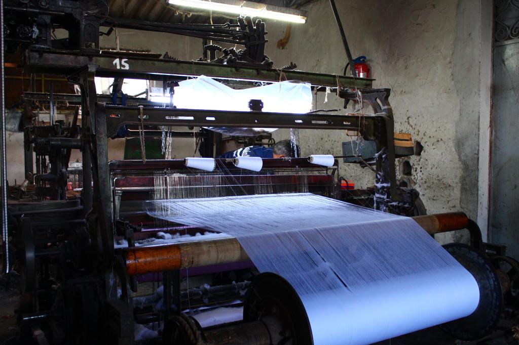 Machine à tisser à navettes pour le tissage des Foutas