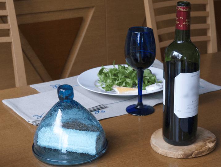 Petite cloche en verre soufflé turquoise cadeau d'artisanat inédit saint Valentin
