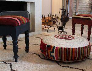 cadeau artisanat pouf et tabourets en kilim