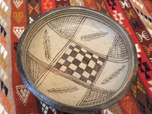 assiette poterie sejnane décor lentisque
