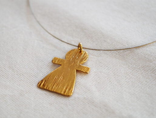 collier fin cable doré pendentif tanit grand