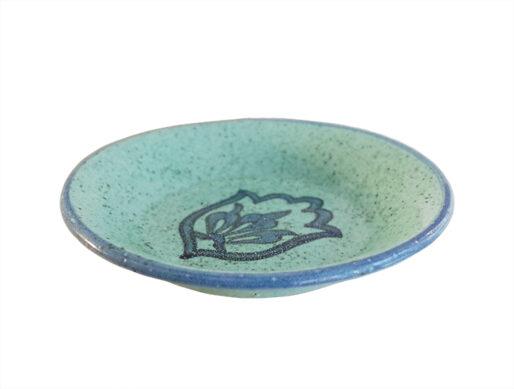 assiette bleue ceramique dessert