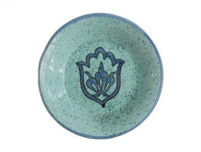 assiette bleue ceramique dessert dessus