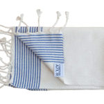 fouta set de table blanc raye bleu plie