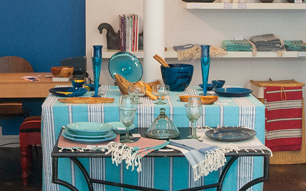la fouta tunisienne d clin e en set de table ou en. Black Bedroom Furniture Sets. Home Design Ideas