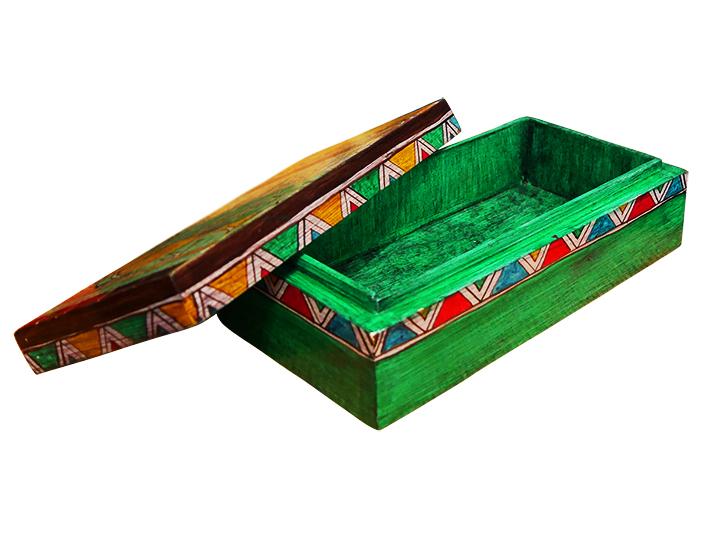 boite rangement d corative une boite en bois peinte la. Black Bedroom Furniture Sets. Home Design Ideas