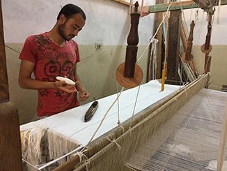 tissage-manuel-produit-fait-main-produit-artisanal
