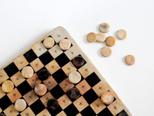 jeu de dames en terre cuite poterie
